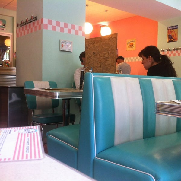 Photo taken at Peggy Sue's by Núria A. on 7/7/2013