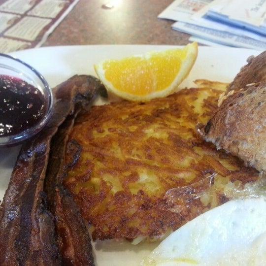 Photo taken at Shari's Restaurant by Darlene P. on 1/27/2013