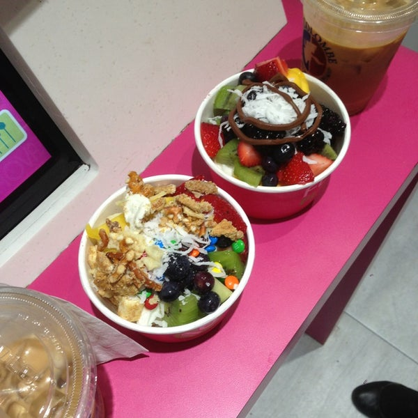 Photo taken at 16 Handles by Jackie B. on 6/21/2013