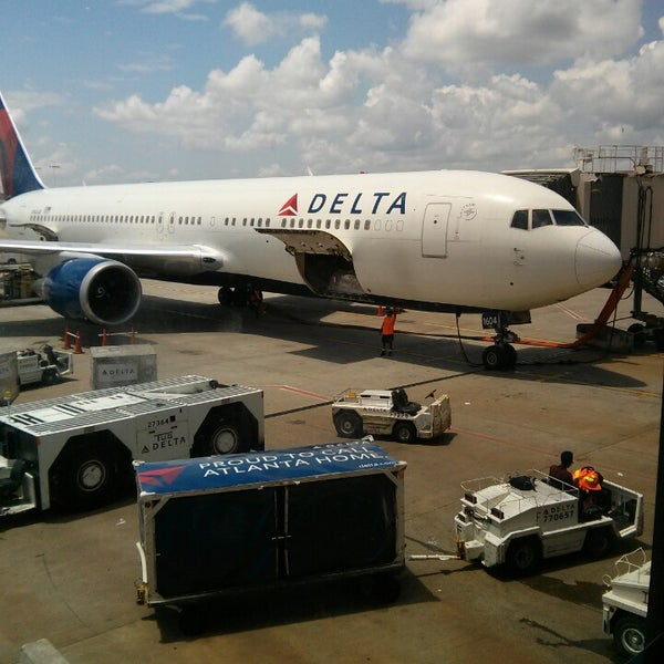 Photo taken at Hartsfield-Jackson Atlanta International Airport (ATL) by Nelson S. on 7/9/2013