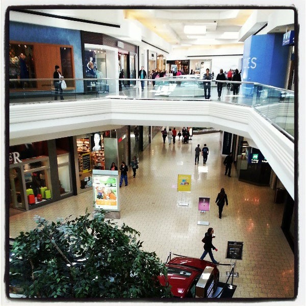 Photo taken at Woodfield Mall by Jason D. on 4/20/2013