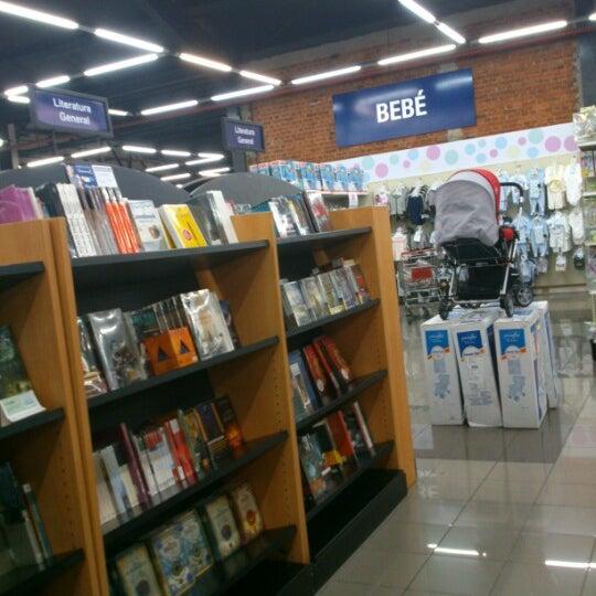 Photo taken at Universal by juan carlos N. on 9/17/2012