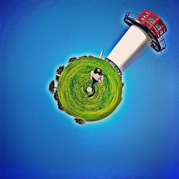 Photo taken at Parkers' Lighthouse by Kristofer V. on 10/22/2012