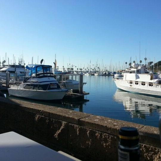 Photo taken at Harbor Fish and Chips by Monty S. on 11/5/2012
