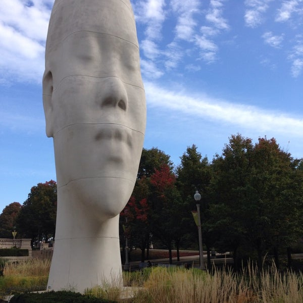 Photo taken at Sculpture Garden - Art Institute of Chicago by Patrick Bay D. on 11/7/2014