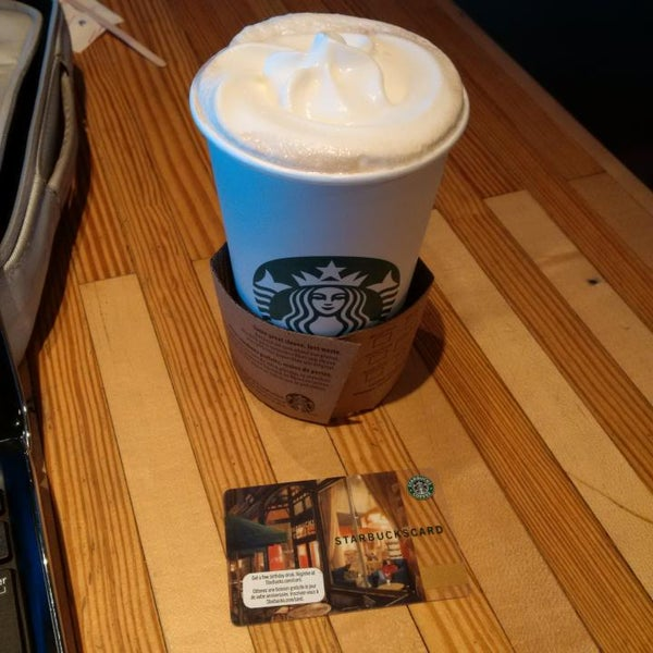 Photo taken at Starbucks by Guido D. on 7/8/2014