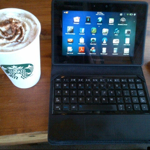 Photo taken at Starbucks by Guido D. on 7/10/2013