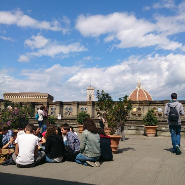 Photo taken at Galleria degli Uffizi by VarvaRa M. on 4/15/2014