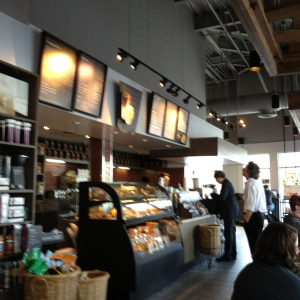 Photo taken at Starbucks by Steve G. on 3/22/2013