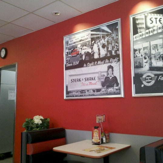 Photo taken at Steak 'n Shake by Brian S. on 6/30/2012