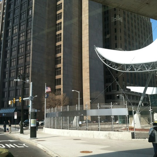 Rosa parks transit center bus station in detroit - Centre commercial rosa parks ...