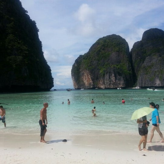 Photo taken at เกาะพีพีดอน (Koh Phi Phi Don) by GhanoOomy on 11/23/2012