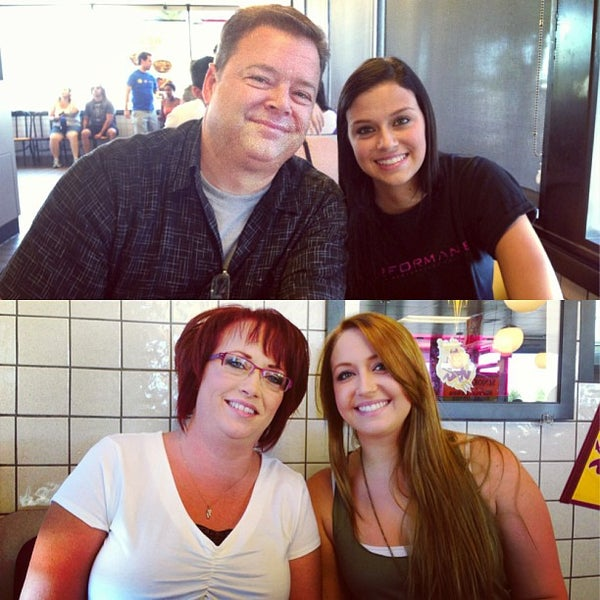 Photo taken at Waffle House by Niki H. on 8/18/2013