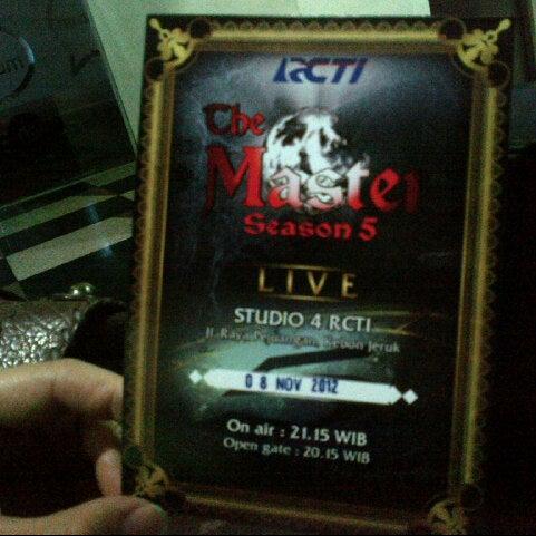 Photo taken at Studio 4 RCTI by Ferdina E. on 11/8/2012