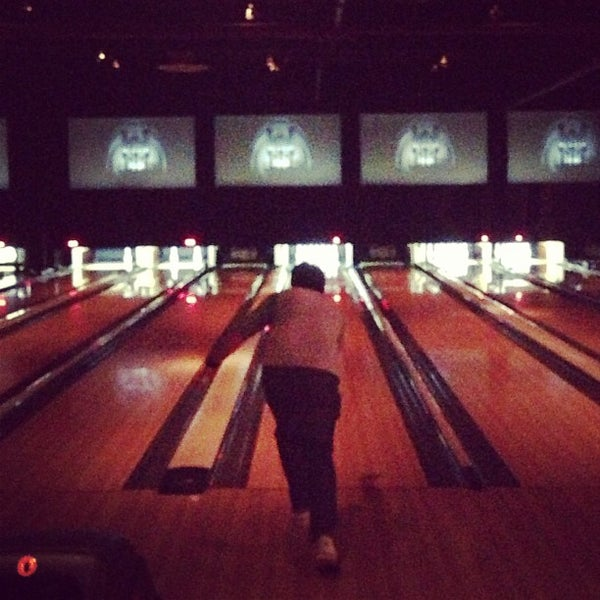 Photo taken at Brooklyn Bowl by Timothy M. on 5/12/2013