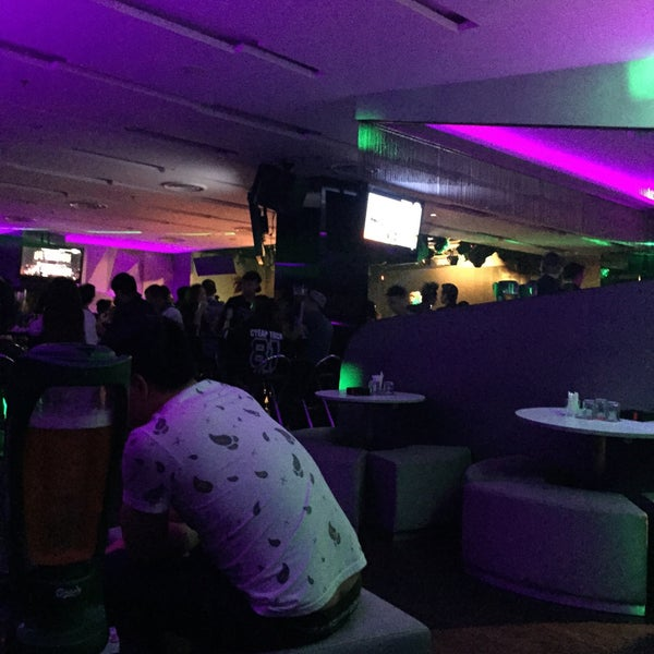 Photo taken at Cloud 9 by LeMon N. on 6/26/2015