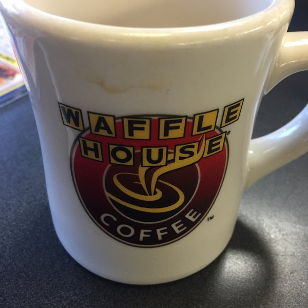 Photo taken at Waffle House by Billy D. on 1/22/2016