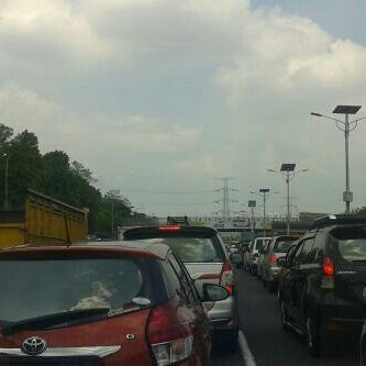 Photo taken at Gerbang Tol Cililitan by King H. on 12/10/2014