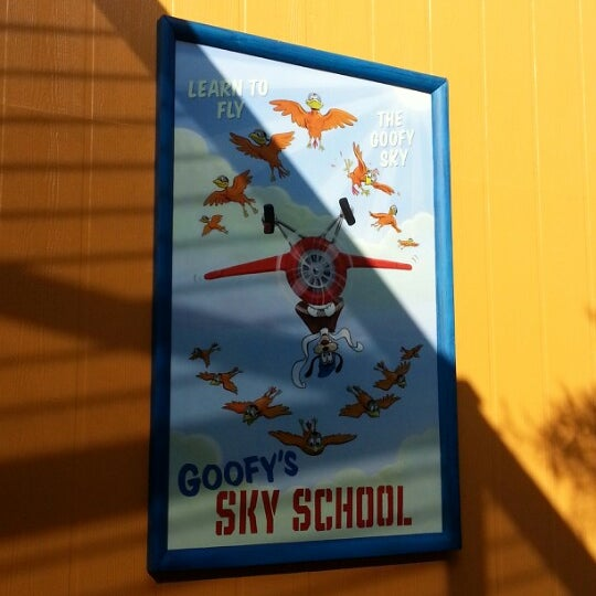 Photo taken at Goofy's Sky School by Benny C. on 12/6/2012
