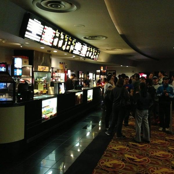 Снимок сделан в AMC Loews Lincoln Square 13 пользователем Scotty G. 6/19/2013