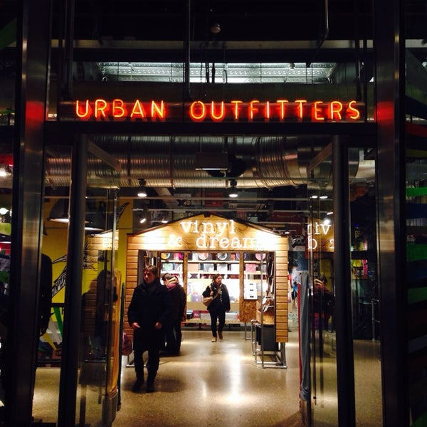 Photo taken at Urban Outfitters by Isabelle P. on 12/27/2013