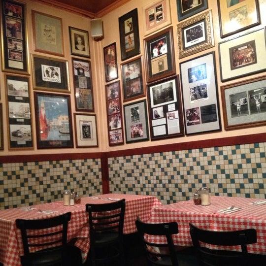 Photo taken at Milano Pizzeria by Fermin R. on 10/13/2012