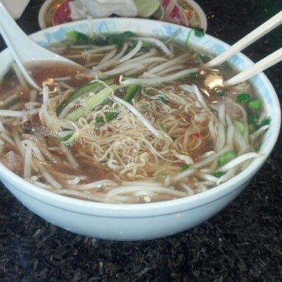 Photo taken at Phở Kim Long by Jacinto A. on 11/27/2012