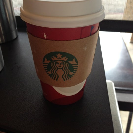 Photo taken at Starbucks by Alejandro L. on 11/11/2012
