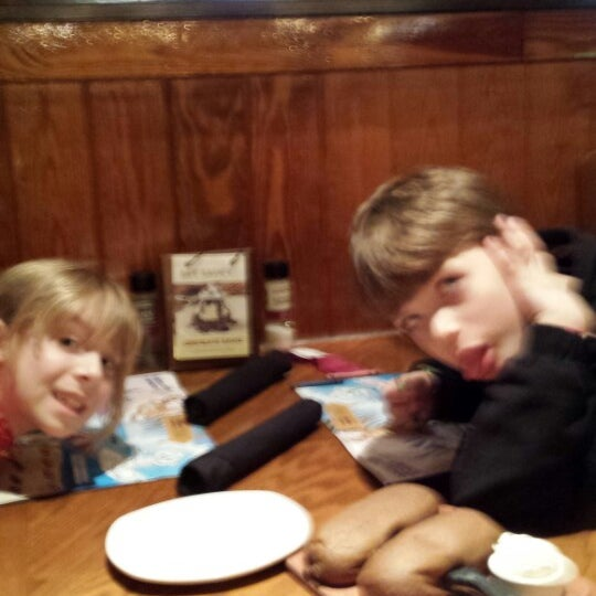 Photo taken at Outback Steakhouse by Robert B. on 3/19/2014