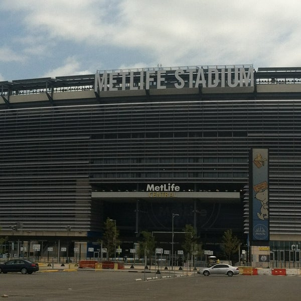 Photo taken at MetLife Stadium by Ang on 7/21/2013