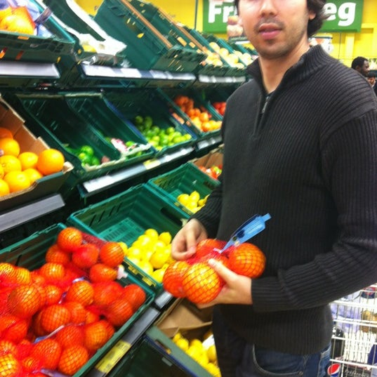 Photo taken at Tesco by Marisa on 9/23/2012