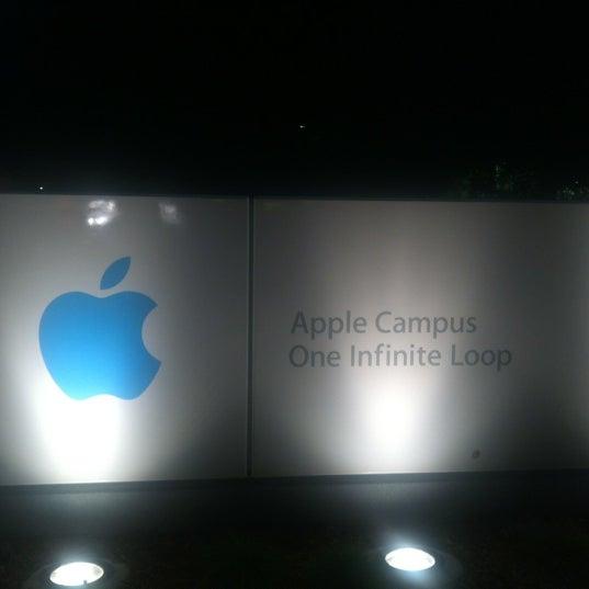 Photo taken at Apple Inc. by Joanna J. on 10/29/2012