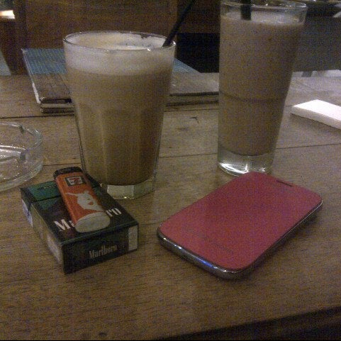 Photo taken at JAVA BEAN Coffee & Resto by Aleen S. on 11/17/2013