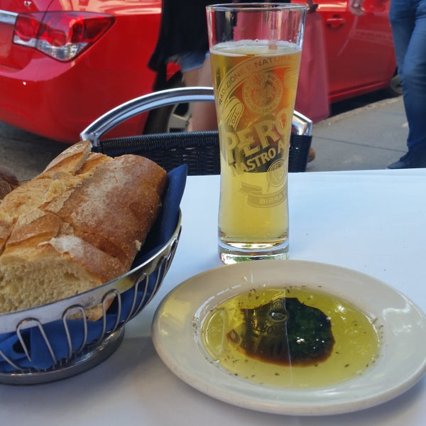 Started off with a ice cold Peroni & bread with oil/vinegar, my kind of place!