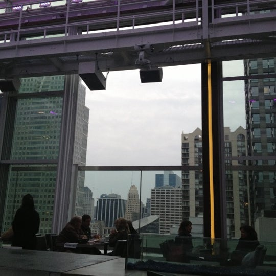 Photo taken at theWit Chicago - A DoubleTree by Hilton Hotel by Gabriel G. on 12/1/2012