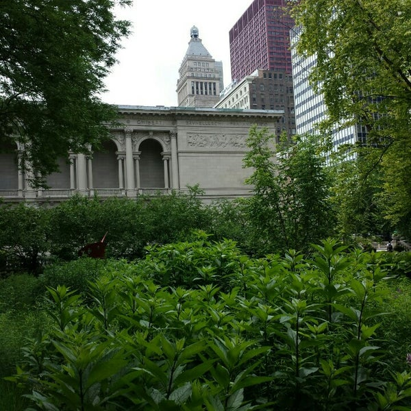 Photo taken at Sculpture Garden - Art Institute of Chicago by It's A Major Plus on 6/24/2015