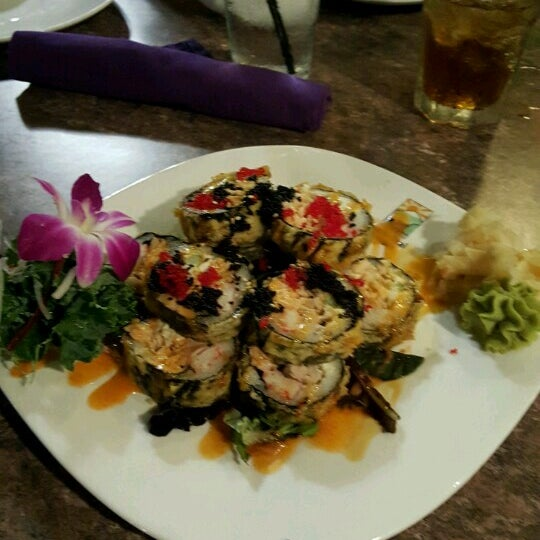 Photo taken at Sushi Thai Too by Lutfiye G. on 7/30/2016