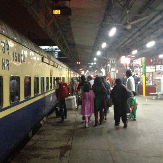 Photo taken at New Delhi Railway Station (NDLS) by Jan S. on 11/12/2012