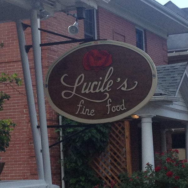 Photo taken at Lucile's by Cesar M. on 6/29/2013
