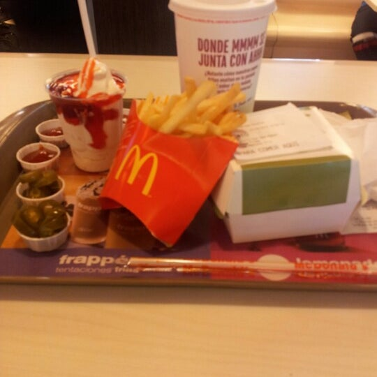 Photo taken at McDonald's by Mario A. on 9/21/2012