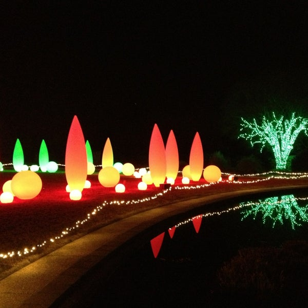 Photo taken at Atlanta Botanical Garden by Victor H. on 12/23/2012