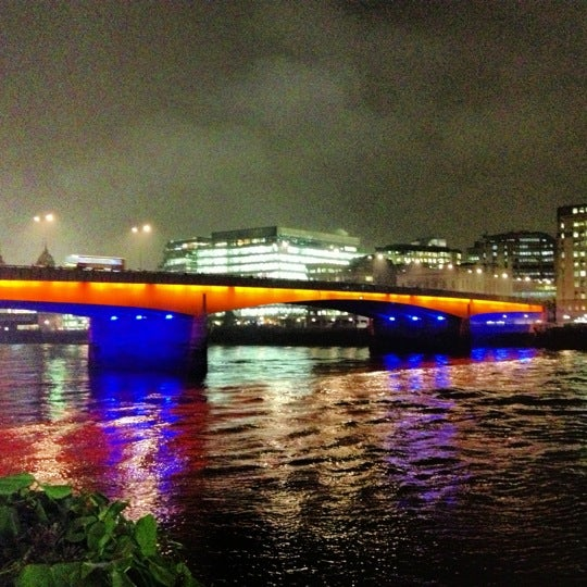 Photo taken at London Bridge by Ree S. on 11/15/2012