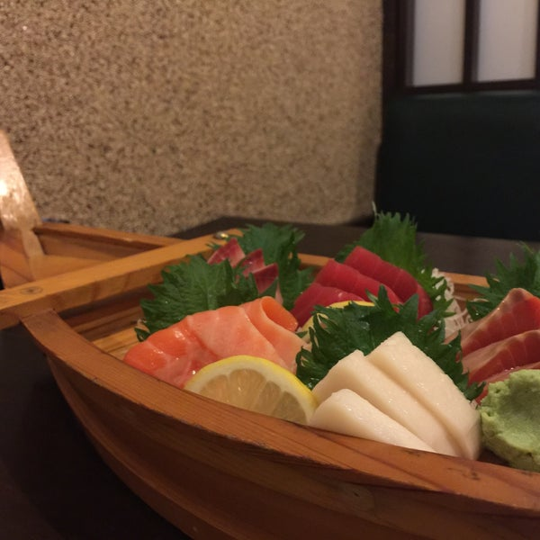 Photo taken at Hyotan Japanese Restaurant by Renee L. on 5/28/2015