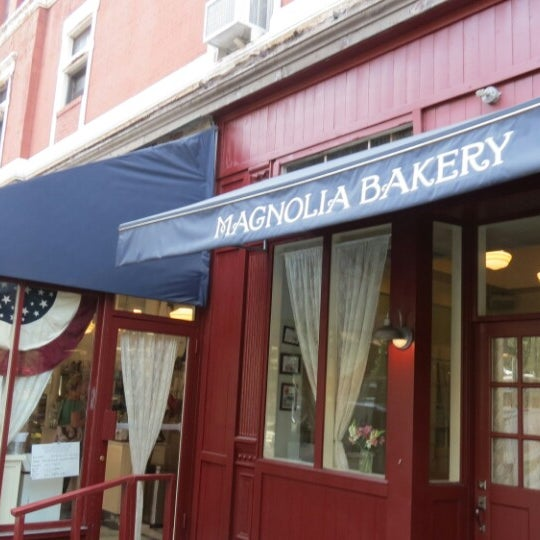 Photo taken at Magnolia Bakery by Pablo M. on 6/28/2013