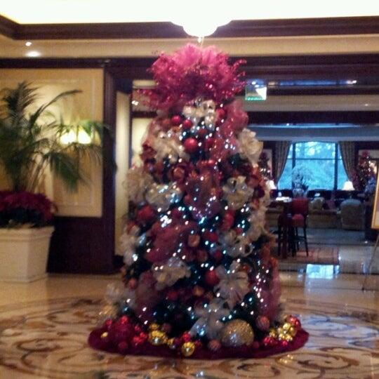 Photo taken at Four Seasons Hotel Westlake Village by Noe on 12/3/2012