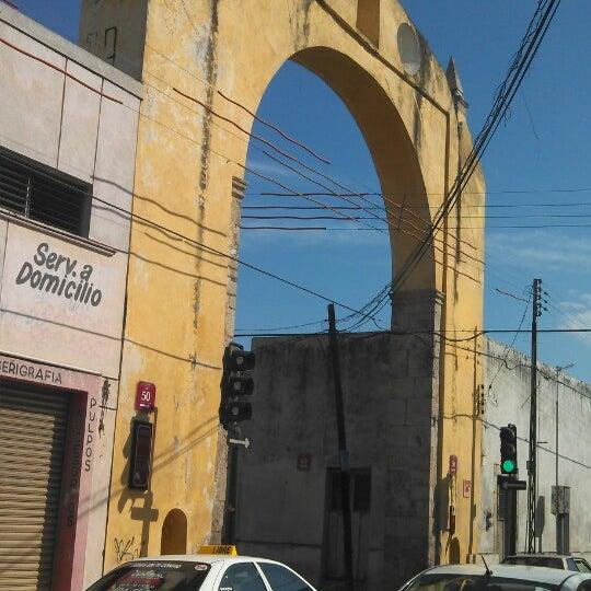 Arco del puente historic site in m rida for Cabina del tetto ad arco