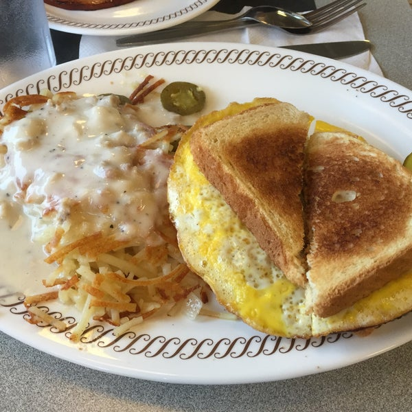 Photo taken at Waffle House by Donnell B. on 10/28/2015