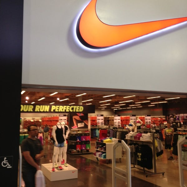 Jun 10,  · Nike. Niketown () S Las Vegas Blvd (Inside of the Forums Shops at Caesar's Palace) Nike Factory Store - Las Vegas North () S Grand Central Pkwy.