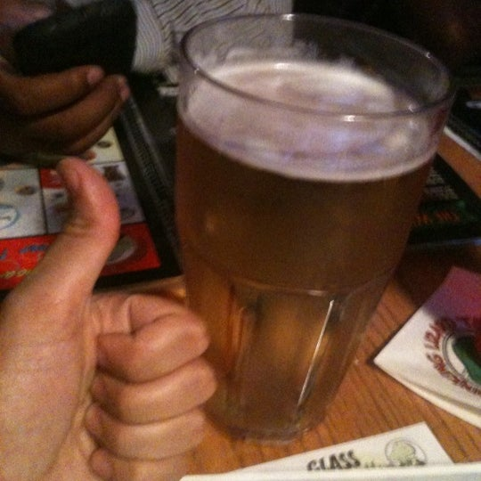 Photo taken at Winking Lizard Tavern by Keith P. on 9/16/2012