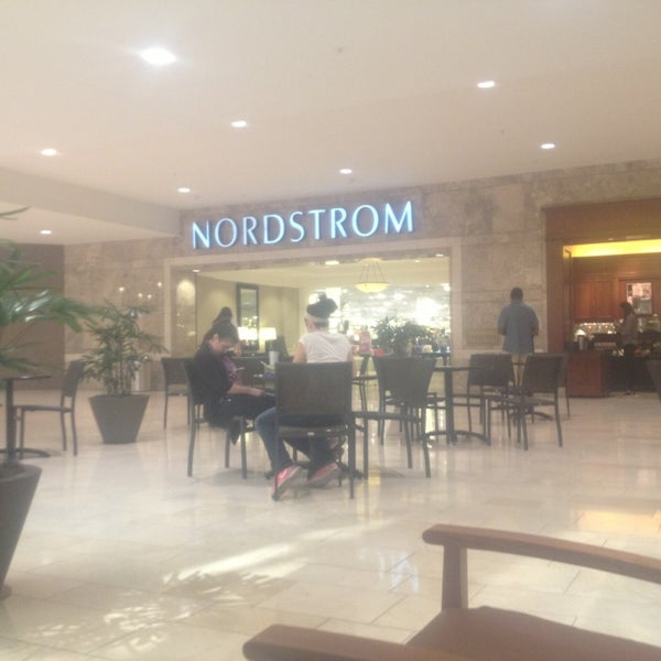 Photo taken at Nordstrom Galleria Dallas by Susana Z. on 7/29/2013